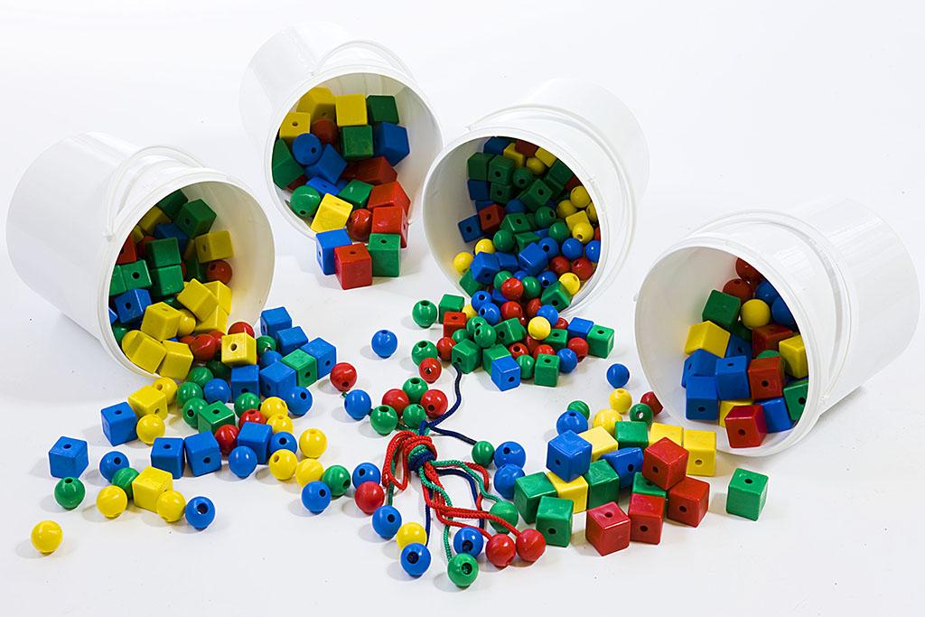 Κασετίνα παιδαγωγικού υλικού (χάντρες πλαστικές)